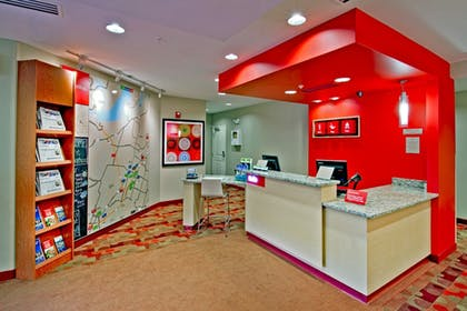 Lobby | Towneplace Suites Chattanooga Near Hamilton Place