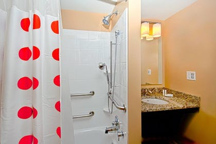 Guestroom | Towneplace Suites Chattanooga Near Hamilton Place