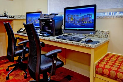 Business Center | Towneplace Suites Chattanooga Near Hamilton Place
