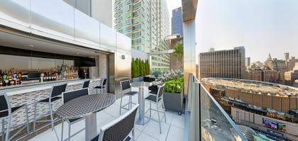 Outdoor Dining | Fairfield Inn & Suites New York Midtown Manhattan/Penn Station