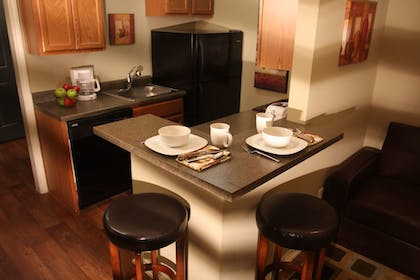 In-Room Dining | Eagle's Den Suites at Carrizo Springs