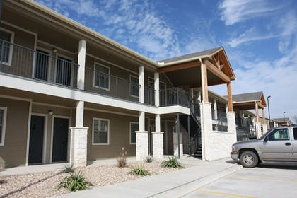 Exterior | Eagle's Den Suites at Carrizo Springs