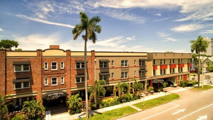 Hotel Front | Hollander Boutique Hotel