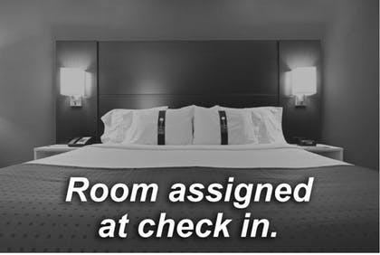 Room | Holiday Inn Express Hotel & Suites Natchez South