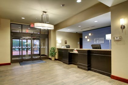 Featured Image | Holiday Inn Express Hotel & Suites Natchez South