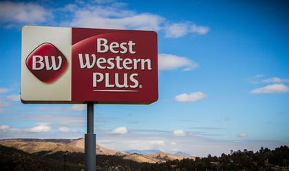 Property Grounds | Best Western Plus Ruidoso Inn