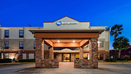 Featured Image | Best Western Rayne Inn