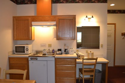 In-Room Kitchen | Anaco Bay Inn