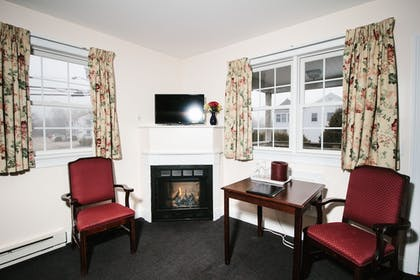 Living Area | The Taber Inne & Suites