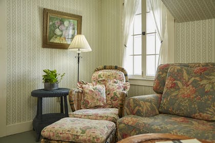 Living Room | The Red Lion Inn