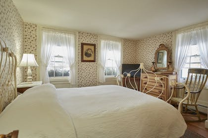 Guestroom | The Red Lion Inn