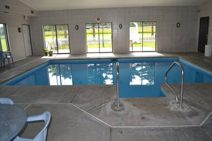 Indoor Pool | Sky Lodge Inn & Suites