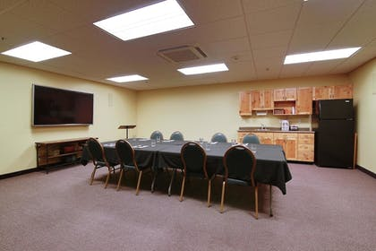 Meeting Facility | Hawthorn Suites by Wyndham Minot