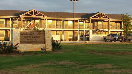 Featured Image | Eagle's Den Suites at Cotulla