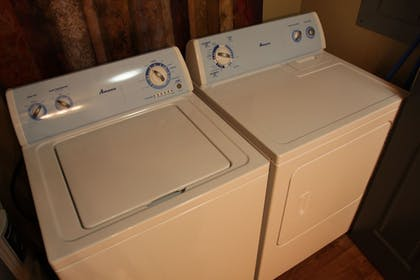 Laundry Room | Eagle's Den Suites at Cotulla
