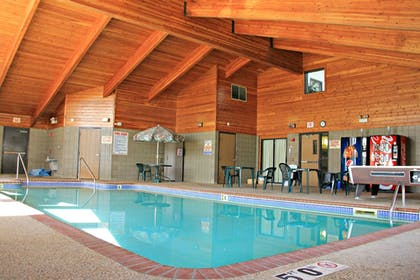 Indoor Pool   Boarders Inn & Suites by Cobblestone Hotels - Wautoma