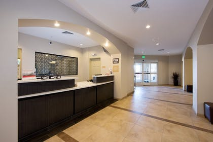 Lobby   Candlewood Suites Greeley