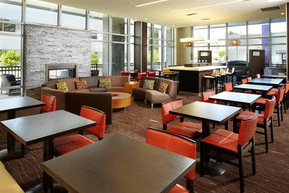 Lobby | Courtyard by Marriott Cleveland University Circle