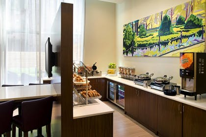 Breakfast Area | SpringHill Suites by Marriott New York Midtown Manhattan