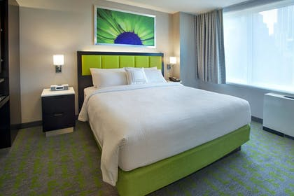 Guestroom | SpringHill Suites by Marriott New York Midtown Manhattan