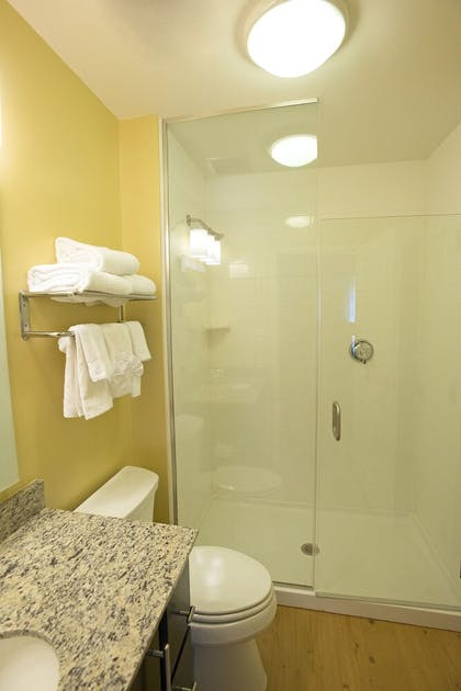 Bathroom   TownePlace Suites Bowling Green