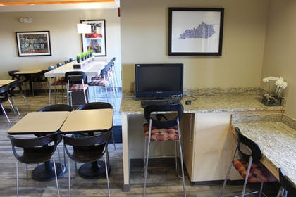Business Center   TownePlace Suites Bowling Green