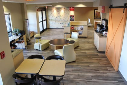 Restaurant   TownePlace Suites Bowling Green