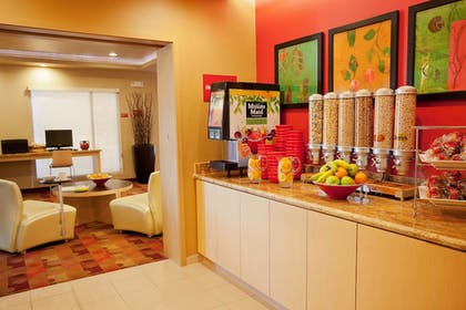 Breakfast Area | TownePlace Suites by Marriott Galveston Island