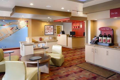 Lobby | TownePlace Suites by Marriott Galveston Island