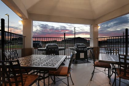 BBQ/Picnic Area | Candlewood Suites Odessa