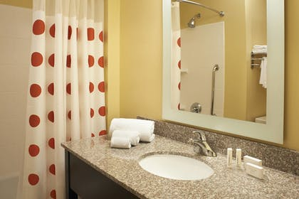 Guestroom | Towneplace Suites by Marriott Saginaw