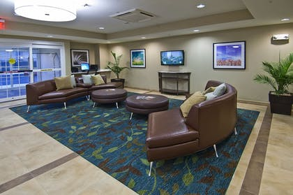 Lobby | Candlewood Suites Tupelo North