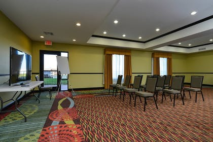 Featured Image | Holiday Inn Express Hotel & Suites Alva