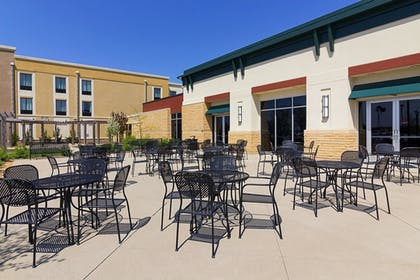 Exterior   Comfort Suites and Conference Center
