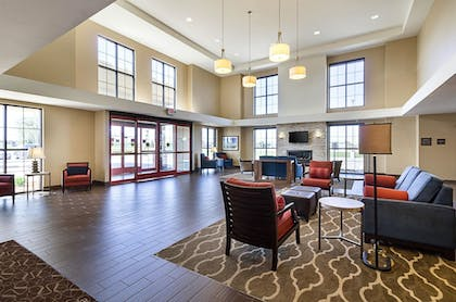 Lobby   Comfort Suites and Conference Center