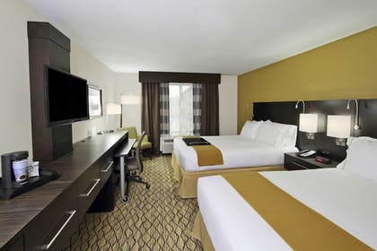 Guestroom | Holiday Inn Express & Suites Colorado Springs First & Main