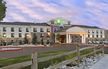 Featured Image | Holiday Inn Express & Suites Colorado Springs First & Main