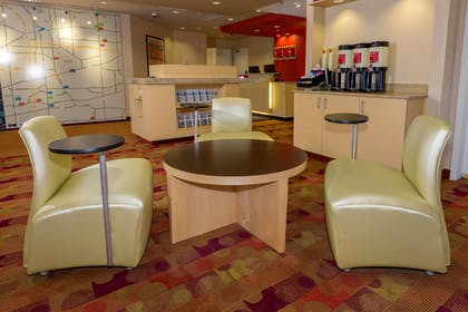 Lobby | TownePlace Suites Buffalo Airport