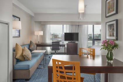 Guestroom | Residence Inn by Marriott Boston Back Bay/Fenway