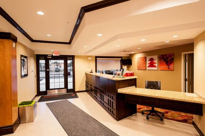 Lobby | TownePlace Suites Roswell