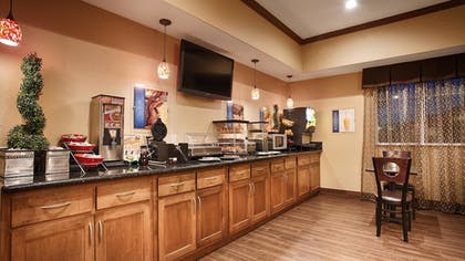 Breakfast Area | Best Western Plus Seminole Hotel & Suites
