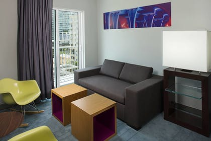 Guestroom | Aloft Miami - Brickell