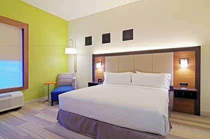 Guestroom | Holiday Inn Express Hotel & Suites Phoenix North Scottsdale