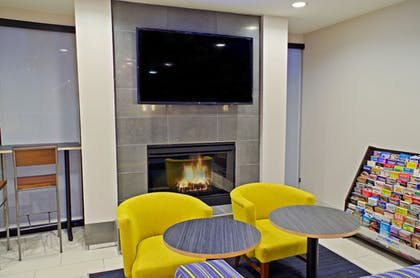 Hotel Interior | Holiday Inn Express Hotel & Suites Phoenix North Scottsdale