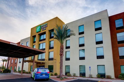 Featured Image | Holiday Inn Express Hotel & Suites Phoenix North Scottsdale