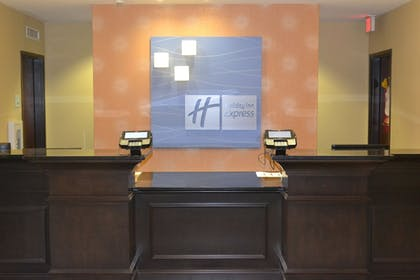 Lobby | Holiday Inn Express Hotel & Suites Selinsgrove