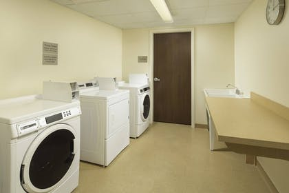Laundry Room   Fairfield Inn & Suites Knoxville West