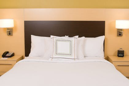 Guestroom | TownePlace Suites York