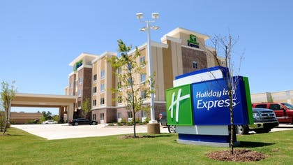 Featured Image | Holiday Inn Express Covington-Madisonville