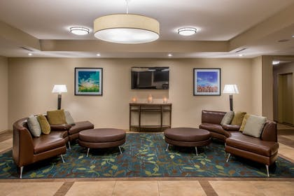 Lobby | Candlewood Suites Midwest City